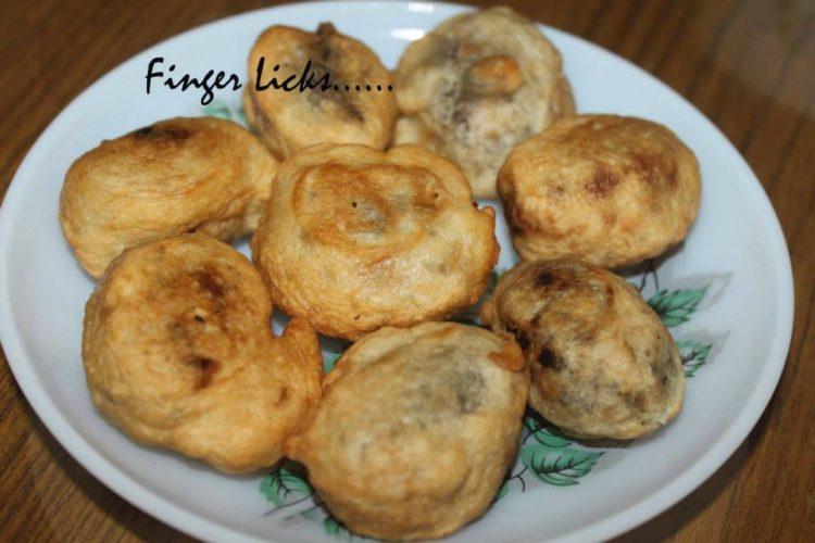 Dates Fritters/ Eethapazham Porichathu