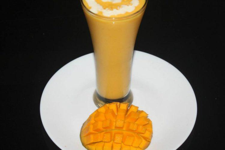 Mango Yogurt Smoothie/ Mango Smoothie