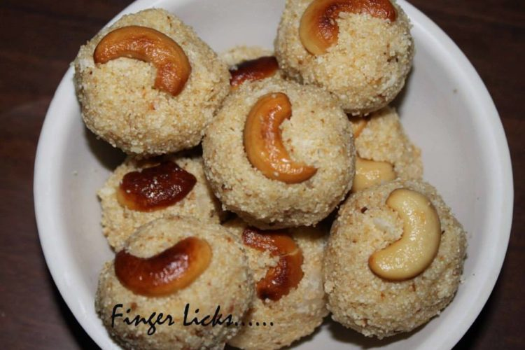 Rava Ladoo/ Sooji Ladoo with Coconut